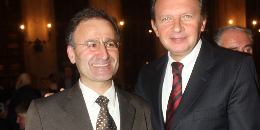 Mit dem türkischen Generalkonsul Kadir Hidayet Eris von München